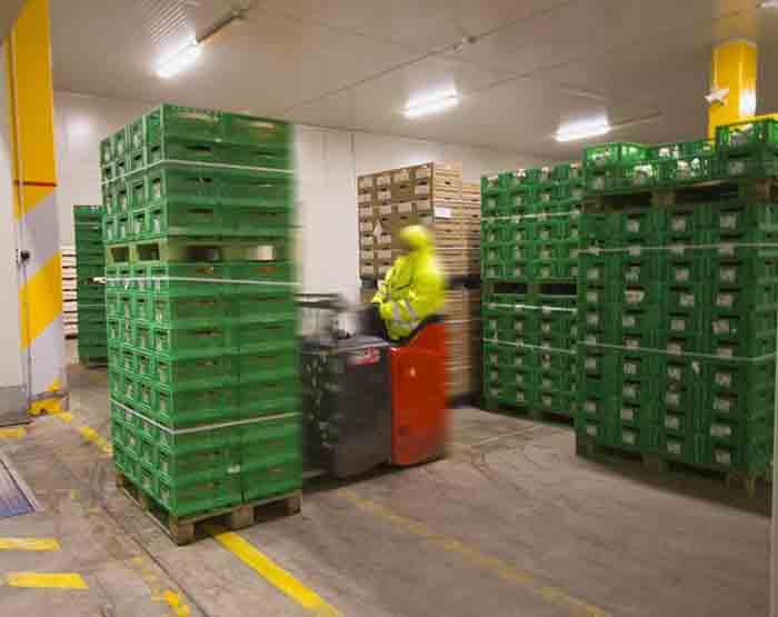 Entrepôt et transport: l'importance des batteries de chariot élévateur au lithium